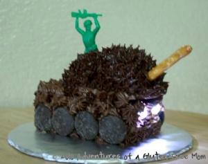 Army tank cupcake